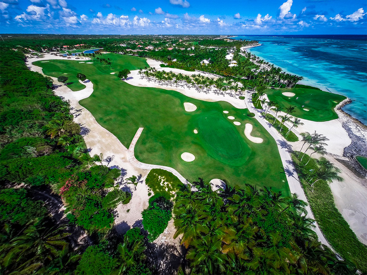 INTERNATIONAL GOLF EXPERIENCE DELUXE PACKAGE, TORTUGA BAY.